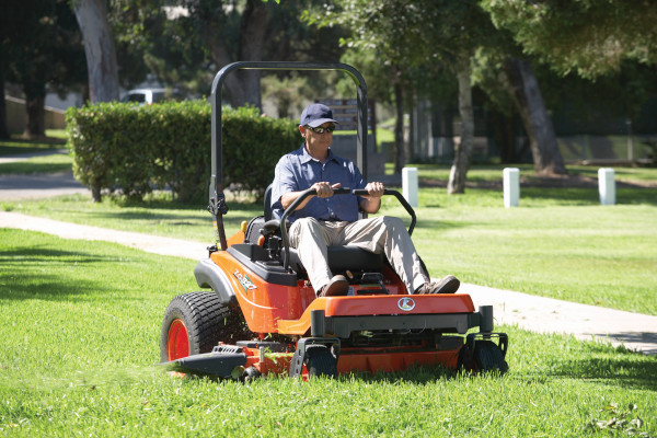 Kubota | Zero-Turn Mowers | ZG300 Series for sale at Bingham Equipment Company, Arizona