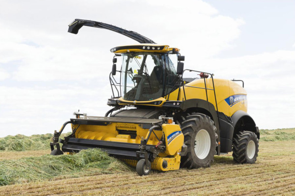 New Holland  | FR Forage Cruiser SP Forage Harvesters | Model: FR550 for sale at Bingham Equipment Company, Arizona